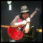 設楽博臣がウカスカジーのギターを担当 Mステにて